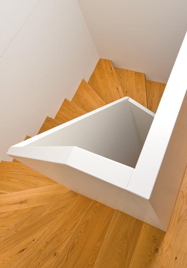 Treppe hellbraun