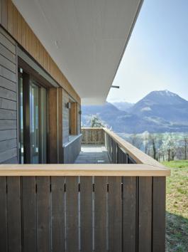 holzhaus oberwilen detail balkon